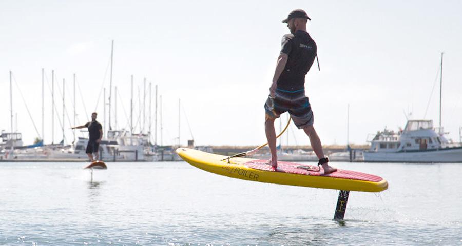 Fare surf senza onde e volando a 50 cm di altezza objectsmag rivista di cultura contemporanea - Tavola da surf a motore ...