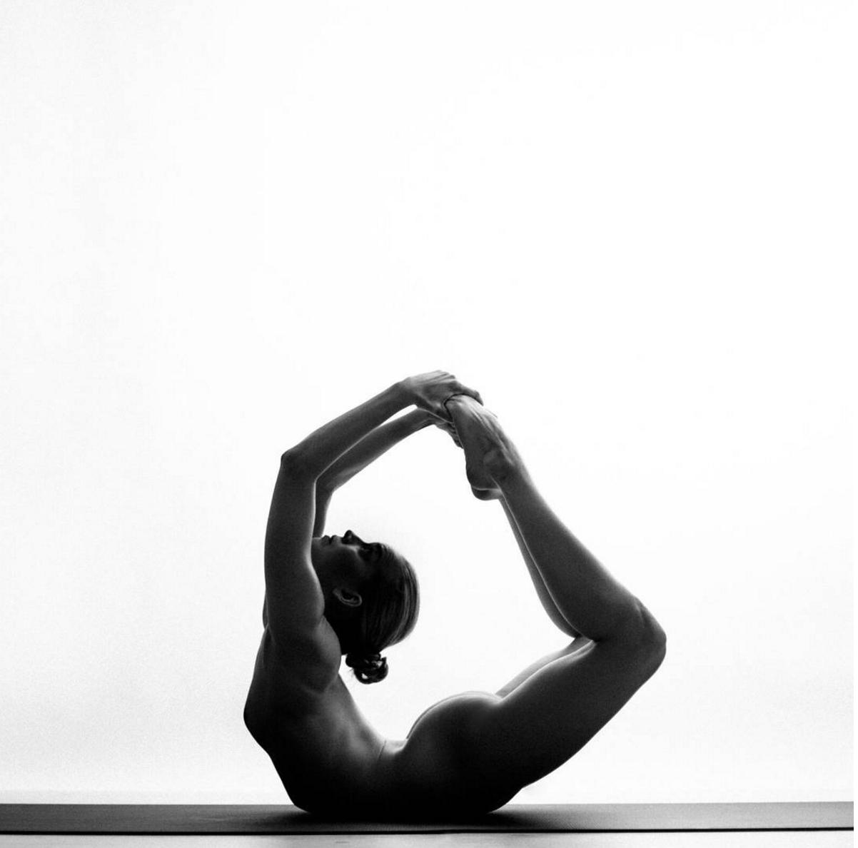 Nude Yoga Girl2
