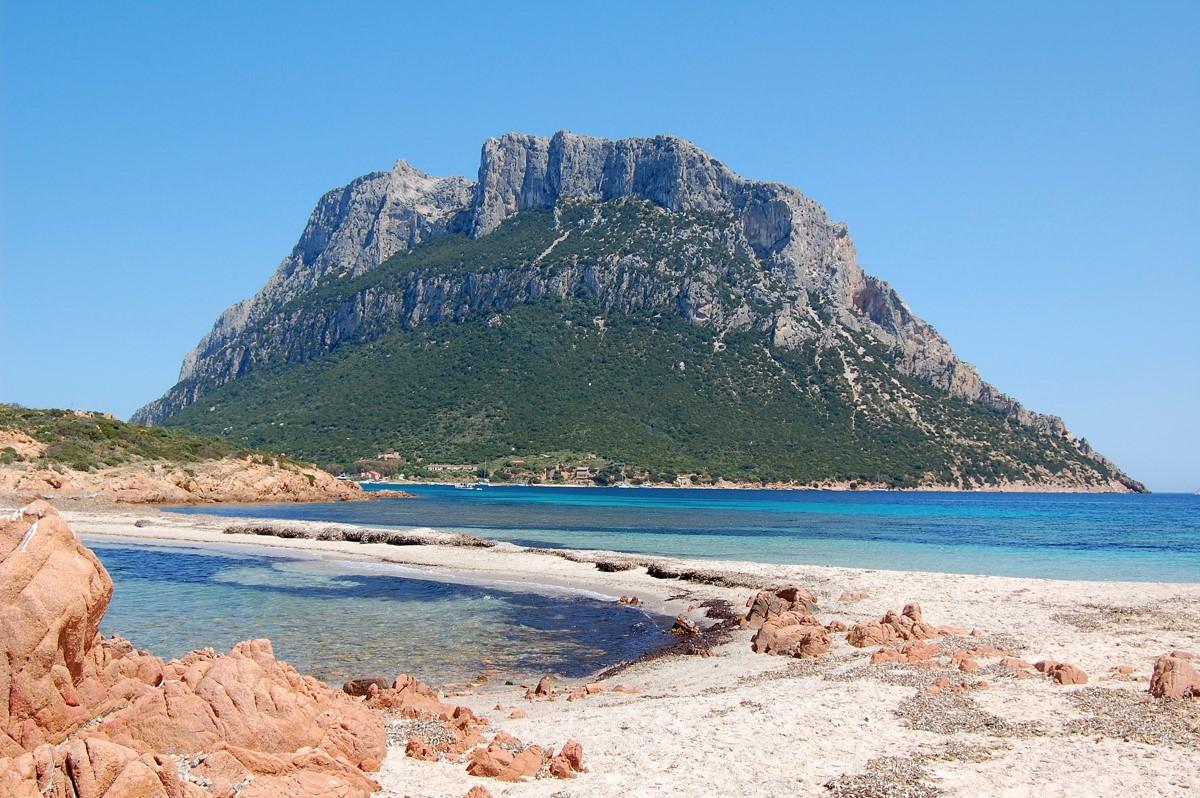 Il pi piccolo regno del mondo objectsmag for Isola che da il nome a un golfo della sardegna