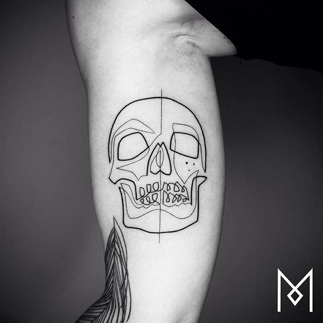 Small Line Drawing Tattoos : Gli incredibili tatuaggi a linea continua di mo ganji