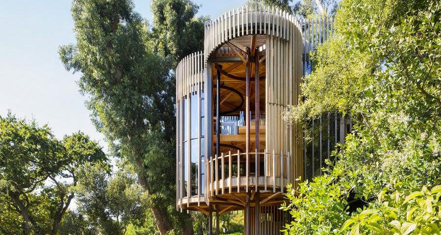 La casa sull'albero dalla pianta circolare