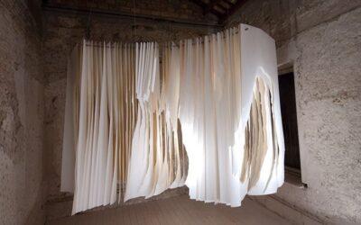 Le sculture di carta di Angela Glajcar
