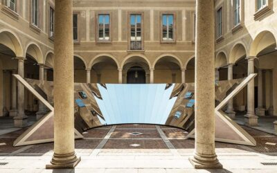 Open Sky, l'imponente istallazione a specchio di Palazzo Isimbardi