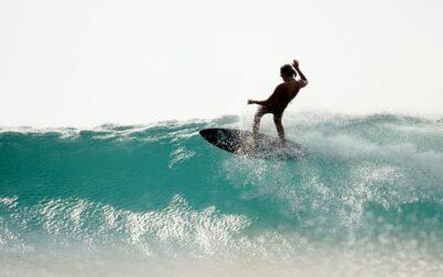 Oceano, fotografia e surf. La vita di Morgan Maassen