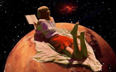 I collage di Greta Pasha che portano le donne nello spazio