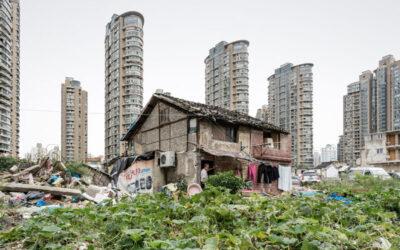 Le precarietà dei villaggi urbani in Cina fotografati da Alessandro Zanoni