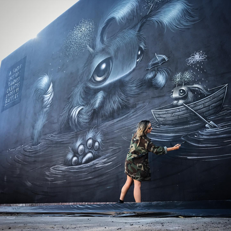 animali-fantastici-nei-murales-di-hayley-welsh-3
