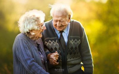 L'amore non ha età negli intensi scatti di Sujata Setia