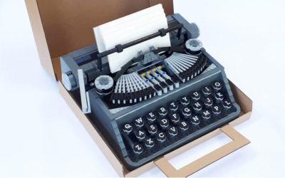 La macchina da scrivere fatta di Lego creata dal designer Steve Guinness