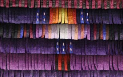 Arte africana contemporanea, le installazioni tessili di Abdoulaye Konaté