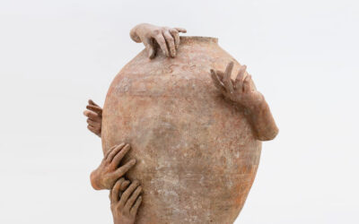 I vasi antropomorfi di Clementine Keith-Roach