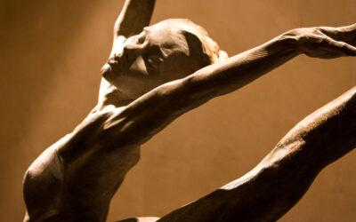 Grazia e movimento, le sculture di ballerini e acrobati di Richard MacDonald