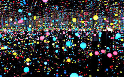Verso l'infinito e oltre. Le Infinity Rooms di Yayoi Kusama