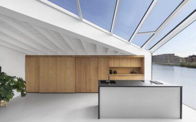 La villa galleggiante e sostenibile in una visionaria Amsterdam