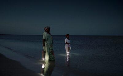 WaterLight, la lanterna che si ricarica con l'acqua del mare