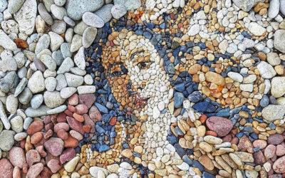 Ricreare dipinti famosi con i sassolini in spiaggia, Justin Bateman